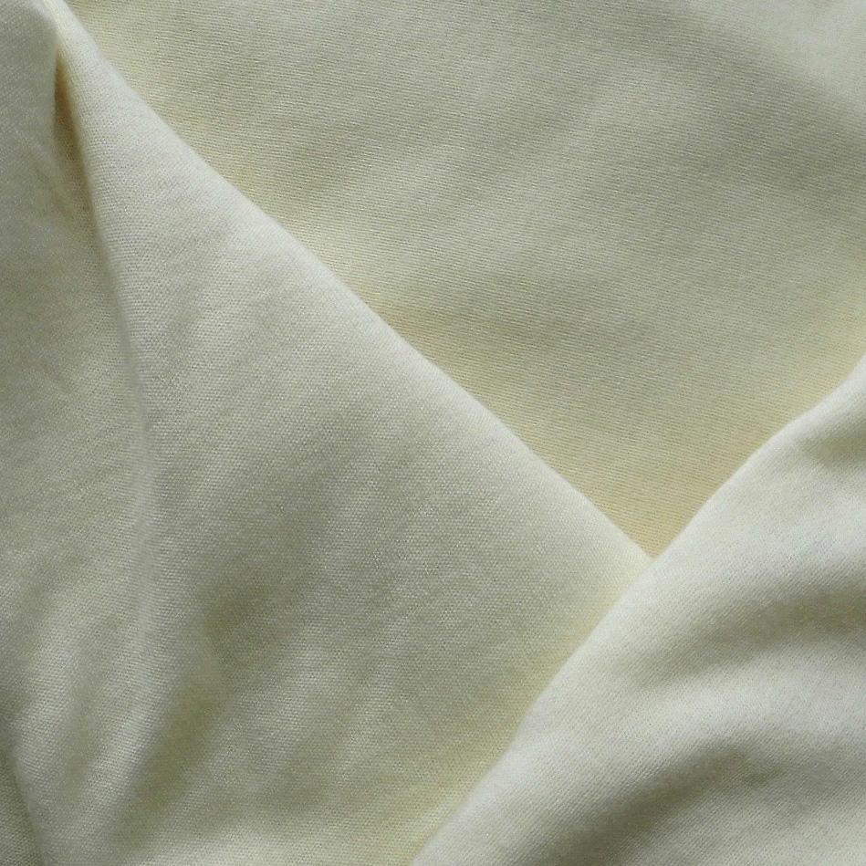 přírodní 190 g/m2 -dle dostupnosti buď krémová nebo bílá